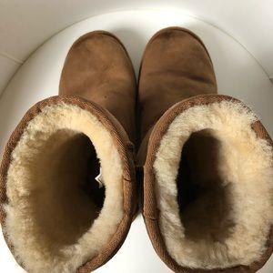 UGG Shoes - UGG Classic Short Boot Women's Sz 6